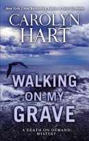 Walking on my grave [large print]
